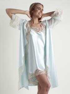 Conjunto bata y camisón romántico raso con encaje leavers lenceria maternal Exclusiva