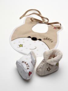 Babero y Botas Osita  lenceria maternal Exclusiva